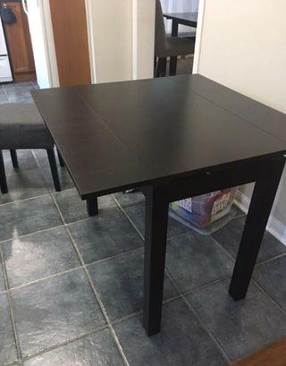 Extendable Table & 3 Stools