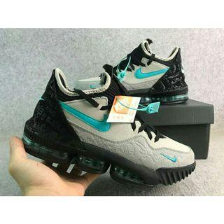 LEBRON basketball shoes(size 44)