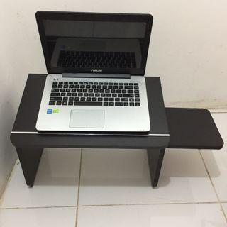 Meja Lesehan Laptop