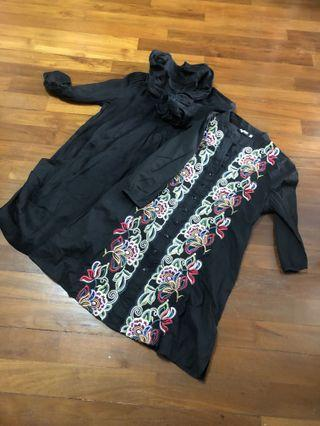Embroidery top / Translucent Chiffon toos