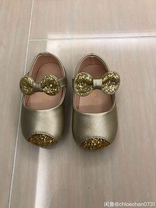 Baby girl's dress shoes