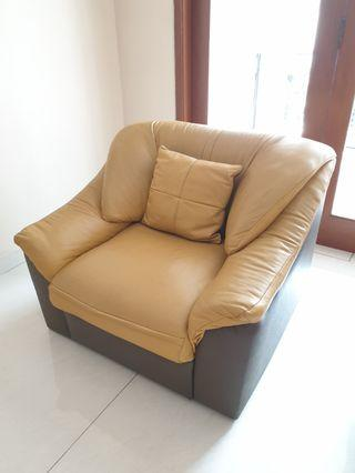 Sofa kulit asli (genuine leather)