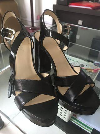 BN Nine West Black Heels