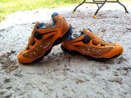 Black Tak outdoor shoes