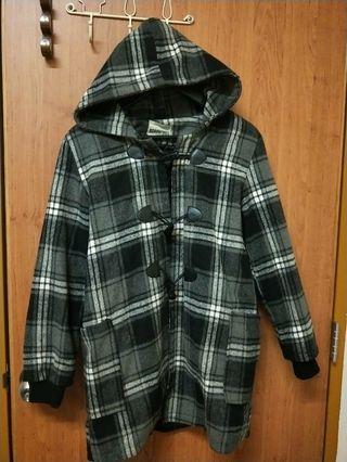 牛角格紋大衣