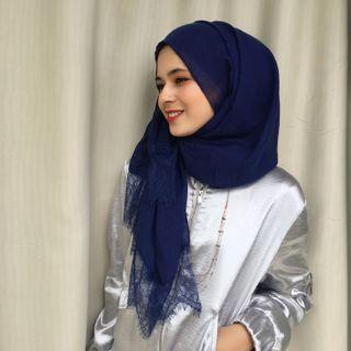 PROMO‼️‼️ New💯 Lily lace shawl in Dark Blue