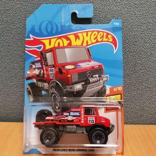 Hot Wheels HW HOT TRUCKS MERCEDES-BENZ UNIMOG 1300 red