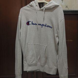 Hoodie Champion Japan market