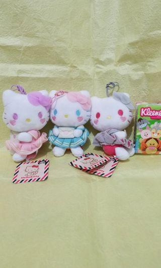Sanrio Hello Kitty 全新景品 毛公仔x3隻 包平郵