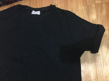 黑色口袋T恤