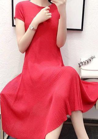 Pleated Short Sleeve Red Dress