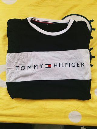 Tommy Hilfiger T-Shirt ( Authentic )