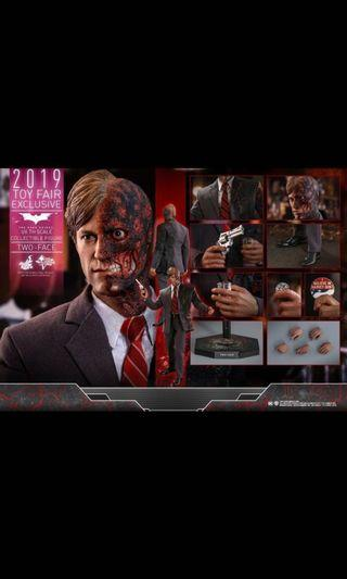 hottoys two face hot toys