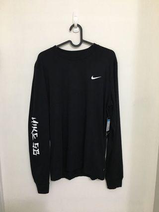 🚚 Nike SB 背面蛇圖 黑白 薄款 長袖上衣 AO0387-010