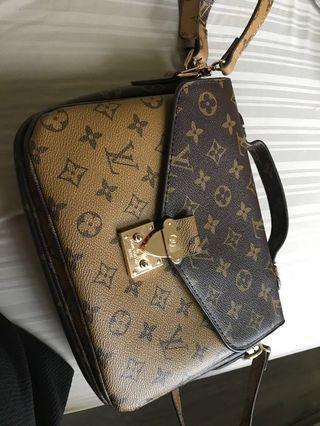 Brand new Louis Vuitton pouchette Métis side bag