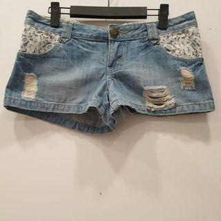 正🇰🇷刷破牛仔短褲 ~ 低腰牛仔短褲