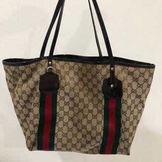 Gucci 二手肩背包 經典提花Logo 亮皮革背帶款 保證正品