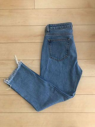 High Rise Mom Jeans - Hidden Jeans Size 28