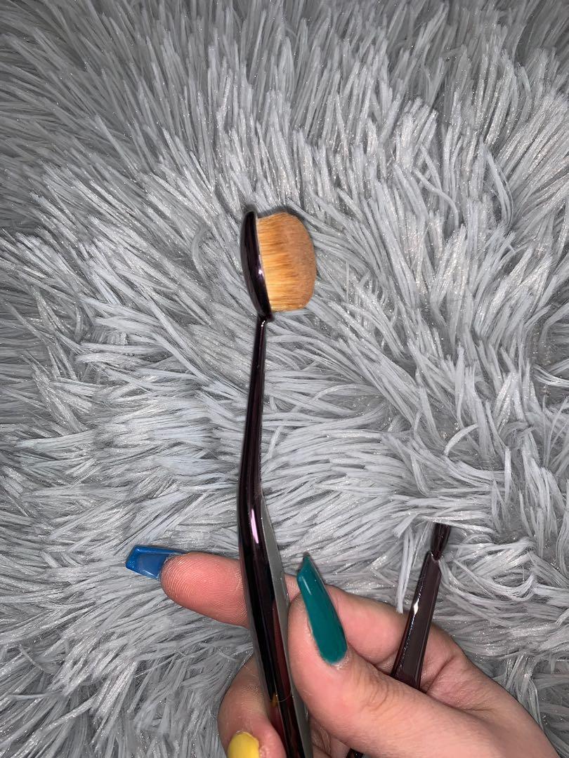 Artis Elite Smoke Oval 4 Brush
