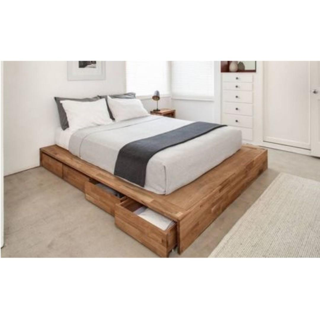 Solid Wood Bed Frame With 4 Drawers On