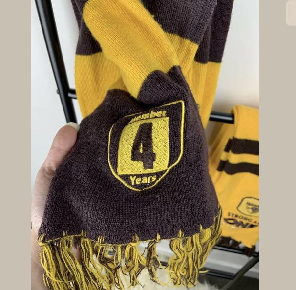 Hawthorn Hawks 2pc AFL Scarf wrap blanket footy collectible 3&4 years member