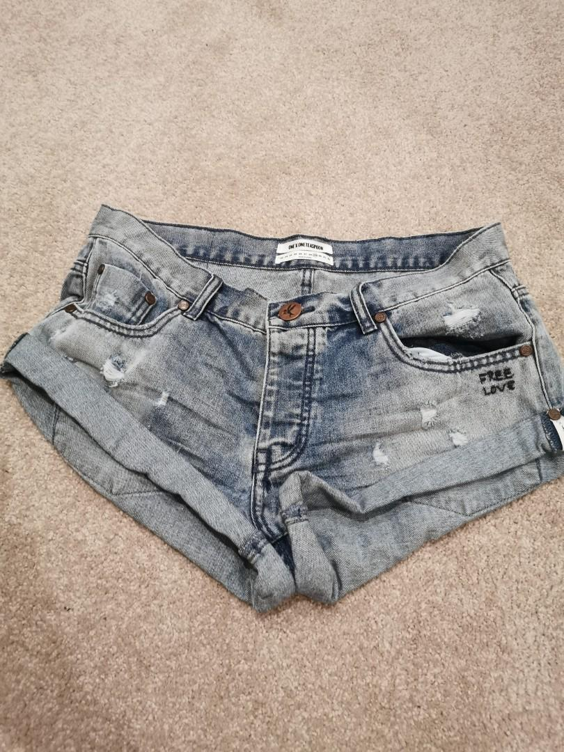 NEW ONETEASPOON Rocky Free Love Bandits Denim Shorts