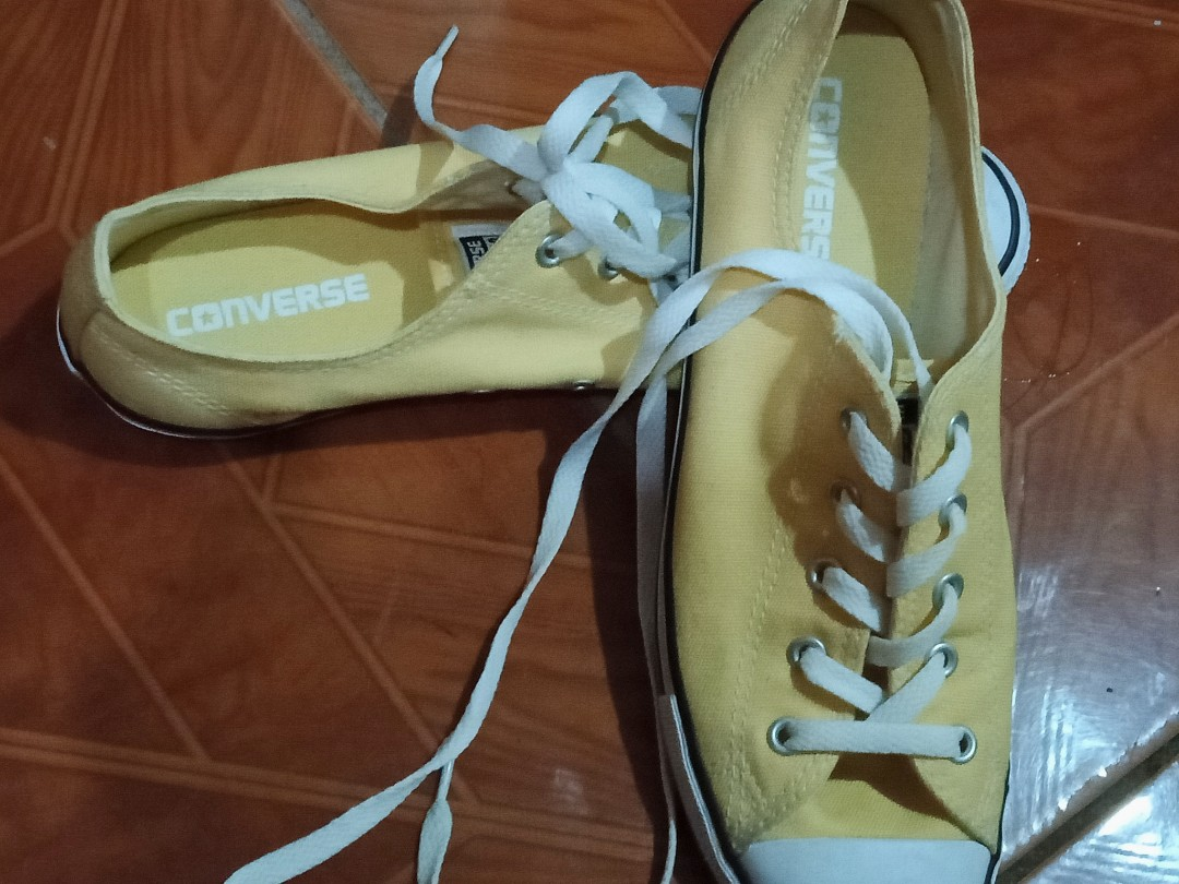 Selling my authentic converse shoes for