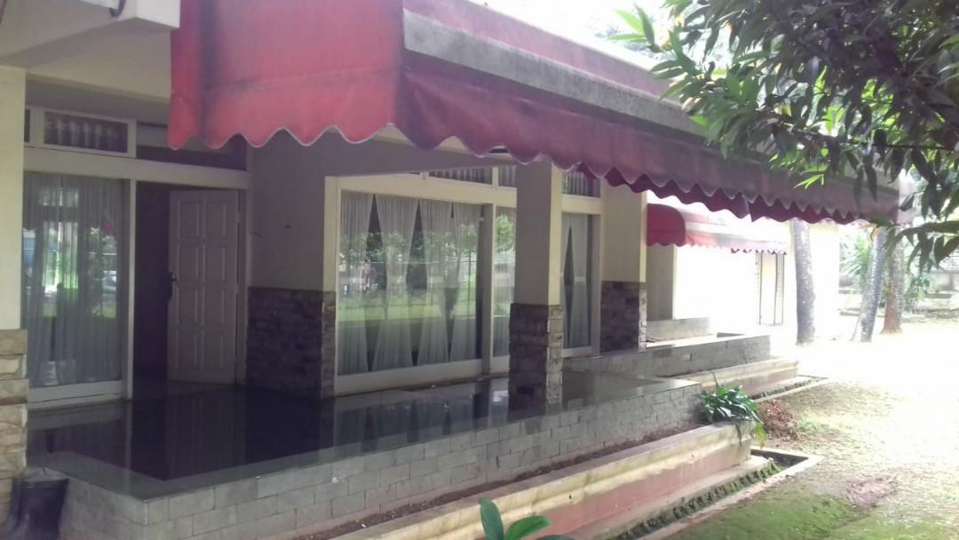 Tanah Luas bonua rumah tua clasic di pinggir jalan cireundeu tangsel