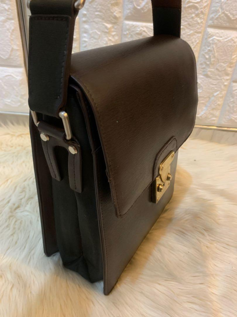 Tas slempang Pierre Cardin import authentic full leather banyak sekat