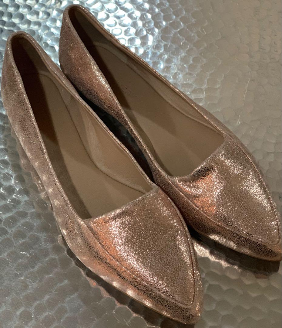 Witchery Rose Gold Flat Leather Shoes Size 39 Near New