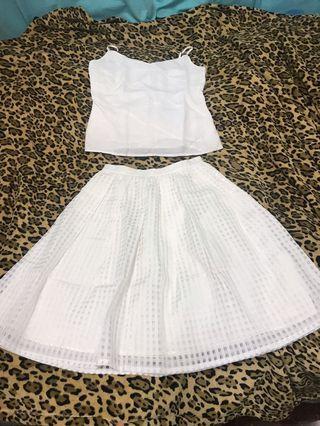 我是日本人、我要返日本了✈️🇯🇵!日本白色半截裙!1件$50,上衣已售出!只有半截裙only