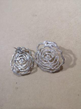 Elegant Earrings #carousellfaster