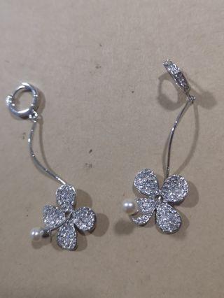 Flower Bling Earring #carousellfaster