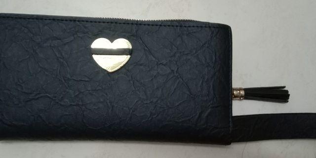 Black love wallet