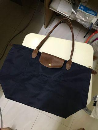 Authentic Longchamp Bag (95% New!!!)