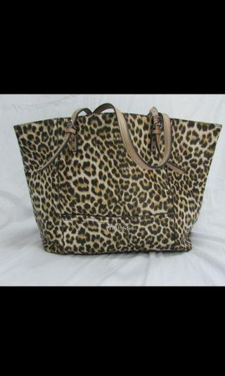 Tas Preloved Guess Leopard