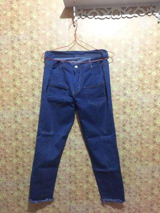 Boyfriend Jeans / Celana Jeans Bigsize