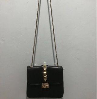 Sling Bag Studded / Sling Bag Hitam TURUN HARGA!!!!