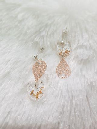 925 Sterling Silver Ear Stud with Transparent Cat and Rose Gold Tear Drop