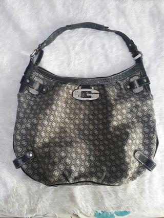SALE ❣️GUESS L-XL shoulder hobo bag