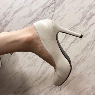 22號 (34)達芙妮 高跟鞋