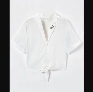 翻領白襯衫
