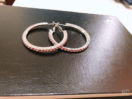 大粉紅圈型耳環