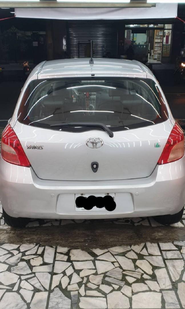新北市 自售車 Toyota07年 銀Yaris 1.5