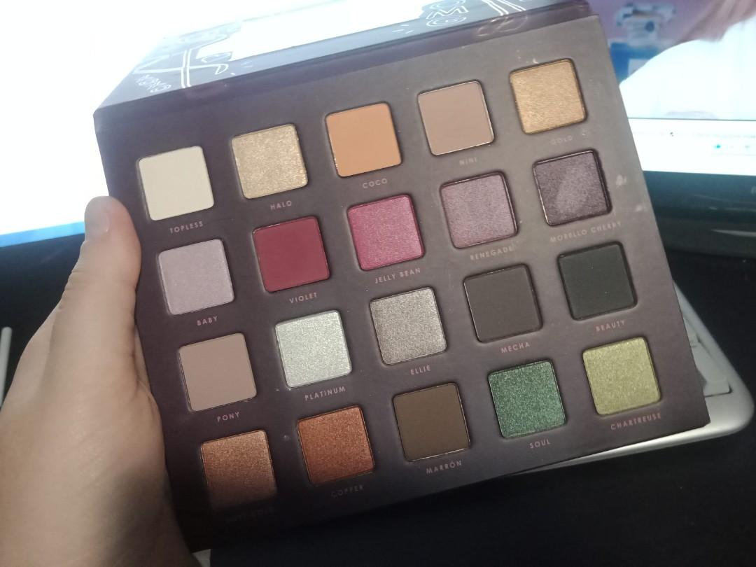 Ciate x Chloe Morello pretty fun fearless vol II palette