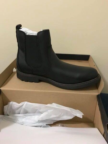 Dockers Men's Black Leather Chelsea Boots Size 9.5