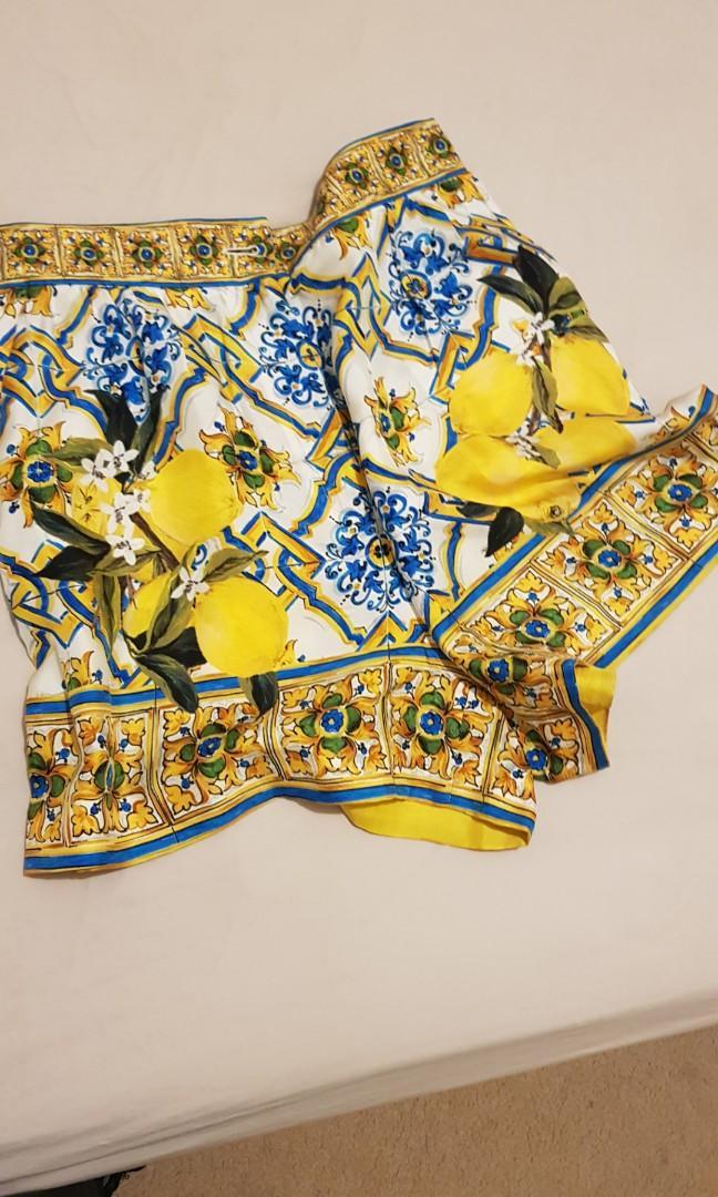 Dolce and gabbana silk majolica shorts lemons size 40/10