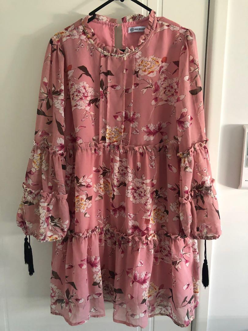 Floral dress, new never worn, size 10. Excellent  condition.