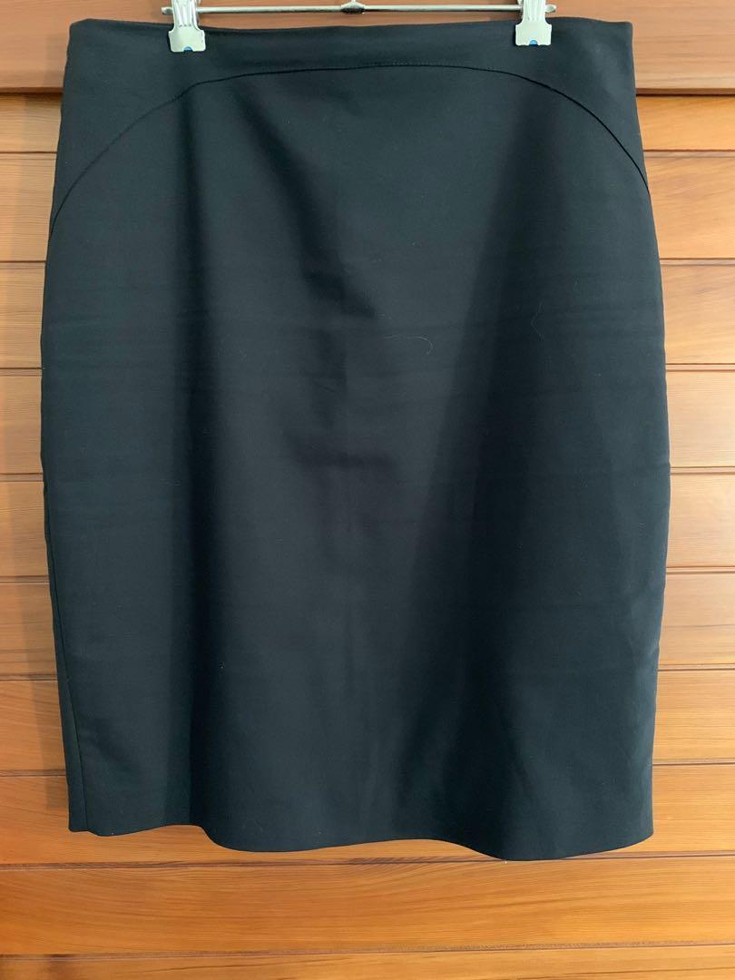 Zara Black Knee Length Skirt Size Large Made in Spain