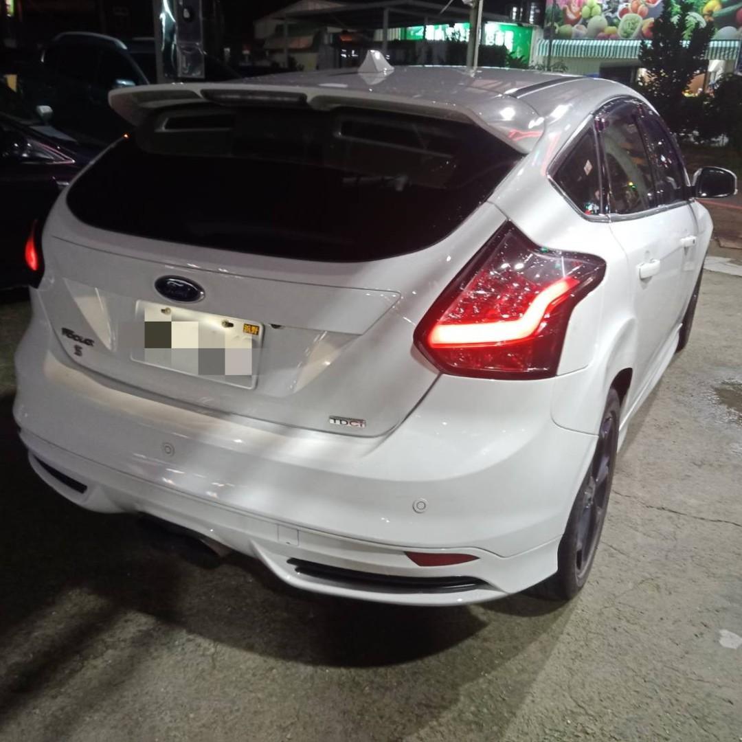 中古車 二手車、13年 focus 2.0 柴油  白  跑12萬